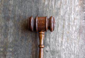 פטיש של בית משפט